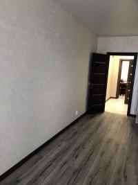 Продаётся 1-комнатная квартира с евроремонтом, площадью 54 м² , на 12 этаже 13-э