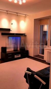 Продается 1-комнатная квартира, 39.6 кв.м, Нижегородская ул.