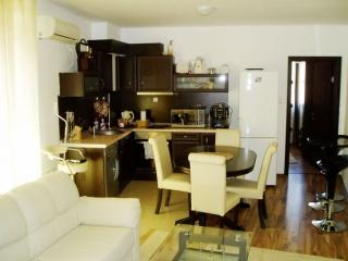 Трёхкомнатная квартира в Болгарии Несебр