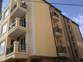 Трёхкомнатная квартира в Бургасе. Сарафово. Без таксы за обслуживание.