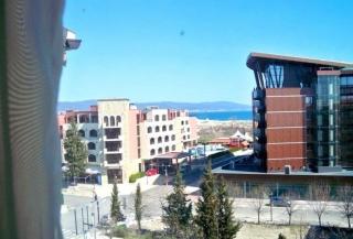 Меблированная трёхкомнатная квартира в Болгарии Солнечный Берег.