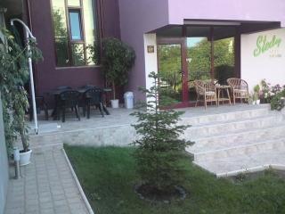 Гостиница у моря в городе Черноморец.