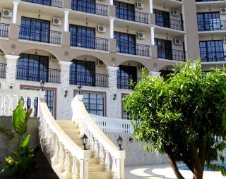 Меблированные апартаменты в Болгарии на первой линии в курорте Обзор