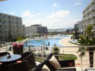 Квартира в Болгарии большого метража с мебелью в Бургасе. Сарафово