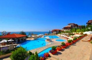 Трёхкомнатная квартира на берегу моря Санта Марина.