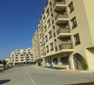 Квартира в Поморие в жилом здании у моря.