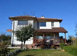 Большой семейный дом в Болгарии рядом с морем