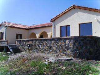 Новый кирпичный дом в Бургасе. Банево