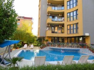 Недвижимость в Болгарии на море трёхкомнатная квартира