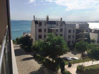 Большая трёхомнатная квартира в Болгарии на первой линии моря