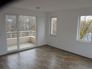 Двухкомнатная квартира в новом доме у моря в Китене