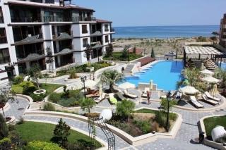 Квартиры в Болгарии на первой линии моря вокруг Сады Роз. Поморие