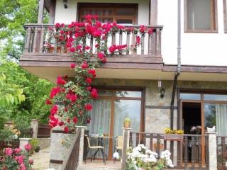 Двухэтажный новый дом в Болгарии в районе Поморие.