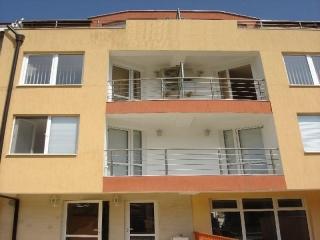 Трёхэтажный отель в Болгарии у моря. Китен.