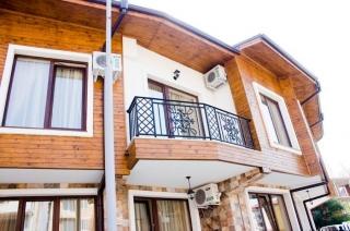 Двухэтажный дом у Черного Моря Несебр.