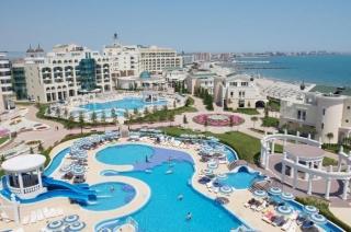 Поморие Болгария трёхкомнатная квартира на побережье