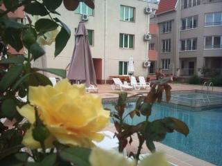 Апартамент в Болгарии с двумя спальнями на берегу моря.