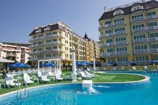 Апартамент в Болгарии на берегу моря в курорте Елените 10 метров от моря