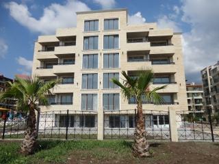Люксозные квартиры на продажу в курорте Приморско