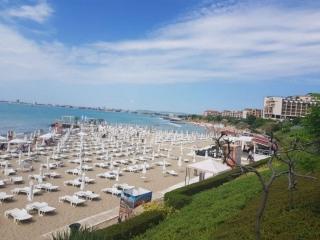Недвижимость в Болгарии на море Свети Влас Трёхкомнатная квартира на побережье