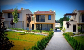 Недвижимость в Болгарии Царево на первой линии моря