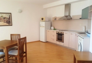 Недвижимость в Болгарии Солнечный Берег трёхкомнатная с мебелью