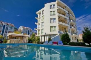 Квартира в Болгарии трёхкомнатная у моря. Азур.
