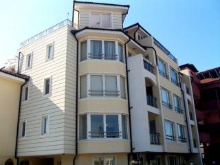 Люкс апартамент для продажи в курорте Равда с мебелью