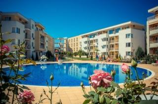 Большая двухкомнатная квартира с мебелью Солнечный берег Несебр F.N.