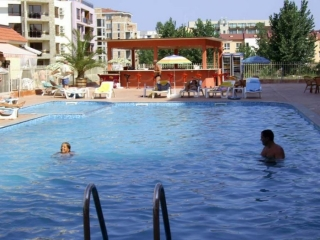 Двухкомнатная квартира недорого в комплексе Солнечный Берег Балкан.