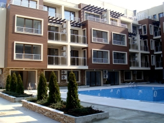 Апартаменты в комплексе с теннисным кортом. Созополь.