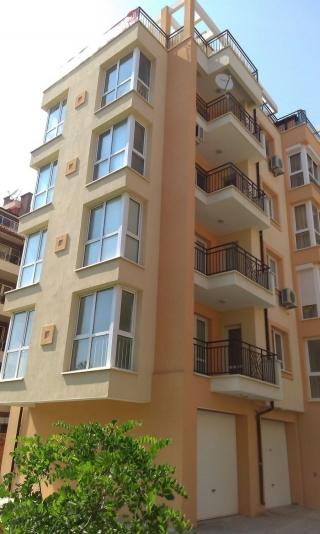 Двухкомнатная квартира в Поморие.