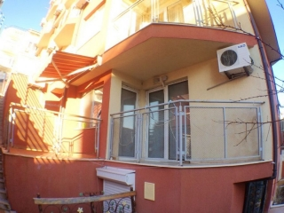 Двухкомнатная квартира в жилом комплексе у моря. Святой Влас.