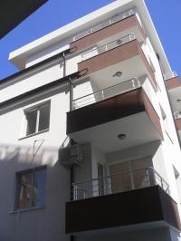 Квартиры в Болгарии в жилом доме в Поморие.