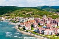 Большая квартира студия в Болгарии на продажу на берегу моря в Елените