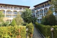 Недвижимость в Болгарии. Большая трёхкомнатная квартира  купить недорого Святой Влас