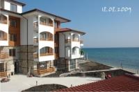 Апартаменты первая линия моря в курорте Елените