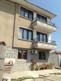Дом в Болгарии с магазином у моря.