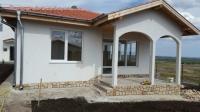 Одноэтажный и двухэтажный современный новый дом в Болгарии Бургас.