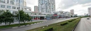 Сдается торговое помещение, 587 метров, первая линия, центр города.