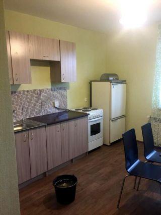 Сдаю 2-к квартиру ул.Айрата Арсланова 8