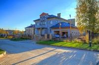 Купить дом 900 кв.м., участок 20 сот., Славково, Новорижское шоссе 27 от МКАД. Покупка недвижимости в Подмосковье всё больше актуальна для горожан.