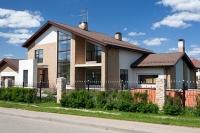 У Вас шанс купить дом на берегу водоема.