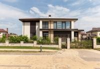 Современный стильный дом в лучшем поселке премиум класса.