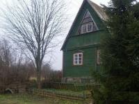 Продам участок с бревенчатым домиком в стародачном поселке не далеко от реки