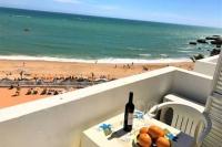 Отличный апартамент LIDIA с видом на океан всего 20 метров от пляжа