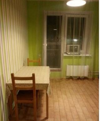 Продается однокомнатная квартира п. Аничково дом 6. Количество комнат-1, этаж 5/14, тип дома кирпичный. Общая площадь 41 м2. Жилая площадь 16 м2. Площадь кухни 10 м2. Лоджия застеклена. Сан узел совмещенный. Квартира полностью готова для проживания: сделан качественный ремонт, теплый пол, отдельная гардеробная комната, хорошая входная дверь, вся мебель остается.Развитая инфраструктура: детский сад с бассейном, магазины, Сбербанк, фитнес клуб, салоны красоты. Шикарные, живописные места для прогулок с семьей: парковая лесная зона. Удобное транспортное сообщение с Москвой по Щелковскому шоссе, ж/д станция Чкаловская. Год сдачи в эксплуатацию 2012. Один взрослый собственник. В собственности более 3 лет. Прямая продажа.Приобретая квартиру с нашим агентством Вы получаете юридическое сопровождение и гарантию чистоты сделки, оформление всех необходимых документов. Наше агентство является официальным партнером Сбербанка, помощь с оформлением ипотеки.