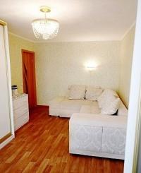Продается 2 комнатная квартира в центральном районе.