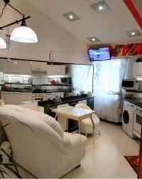 Продаётся 2 комнатная квартира с дизайнерским ремонтом!