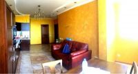 Продается 2 комнатная квартира с хорошим ремонтом в центре!